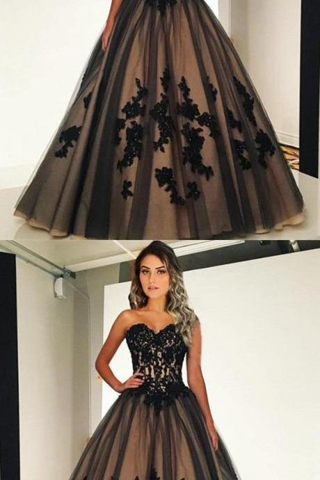 Vintage Style Black Tulle Ball Gowns, Sweetheart Quinceanera Dresses ,Lace Appliques Party Dress