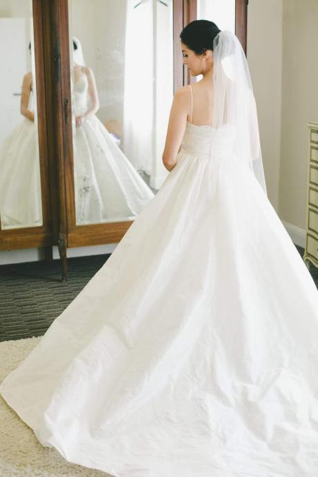 Lace Sweetheart wedding dress Taffeta Ivory Wedding Gown Dress with Spaghetti Straps